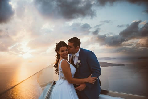 Santorini Bridal Hairstyles & Bridal Makeup (28)
